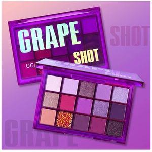 """💜NIB! 15 shades """"Grape Shot"""" Eyeshadow Palette!💜"""